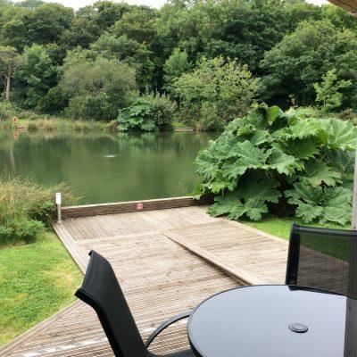 Dine outside Woodpecker Lodge