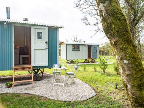 Shepherds Hut next to woodland quiet Glamping Holidays