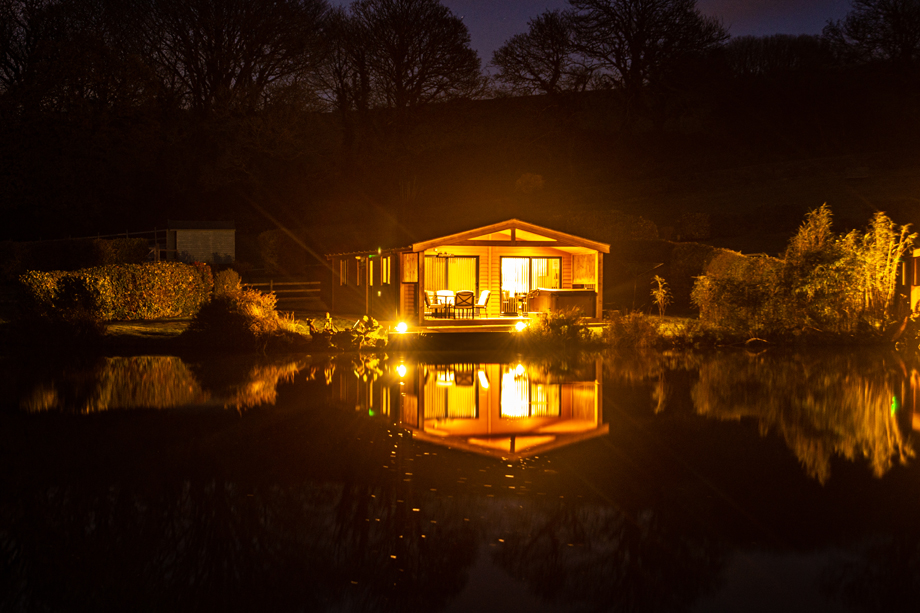 Nanpusker Lakeside Lodges evening